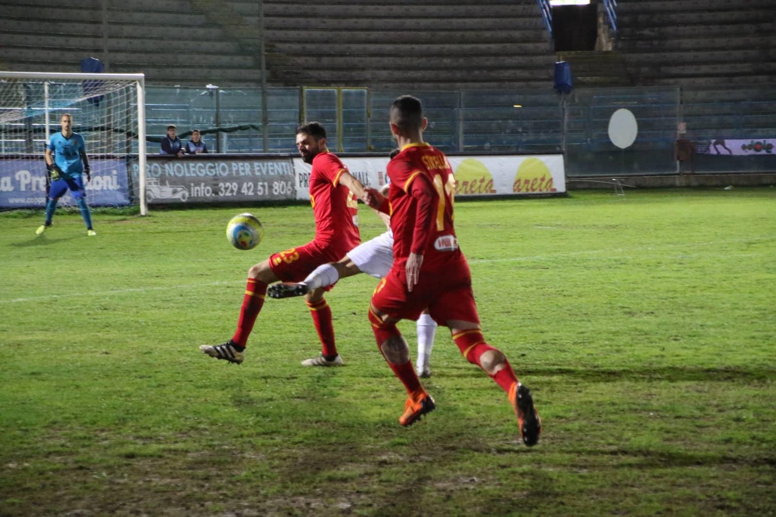 Lampo Statella, i giallorossi battono la V. Francavilla e agganciano il secondo posto!
