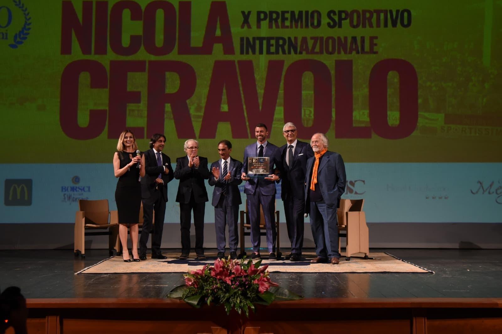 """Il presidente Noto ha premiato Barzagli nella X edizione del """"Premio Ceravolo"""""""