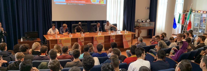 il-catanzaro-incontra-gli-studenti-dello-scalfaro-presente-il-presidente-noto