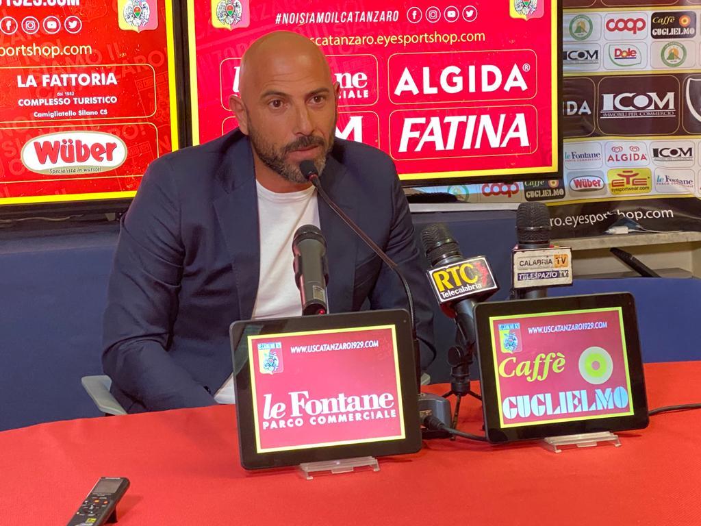 "Mister Calabro sui calendari: ""Guardiamo partita per partita"""